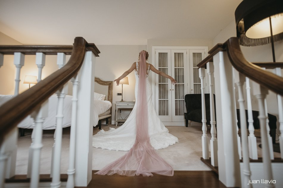 la soledad de la novia por Juan Llavio